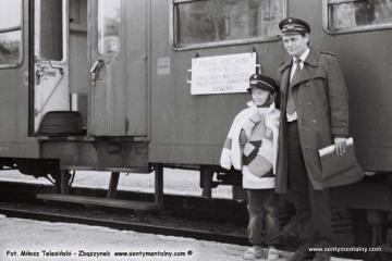 Kierownik pociągu specjalnego Pan Wasik ze swoją córką w dniu 03.10.1987.