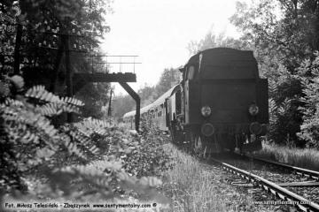 Wierzbno - Międzychód 03.10.1987. Tkt48-28z pociągiem specjalnym mija punkt graniczny w latach 1920 - 39.