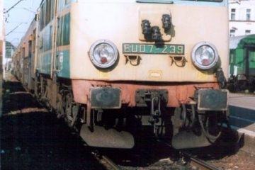 Krzyż w dniu 17.05.2000. Osobowy do Poznania 87136, ostatni jego kurs przed zmianą rozkładu jazdy. Maszynistą był Pan Chojnacki.