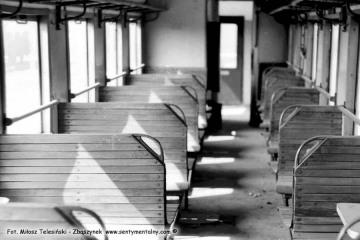 Opalenica wiosną 1986. Wnętrze eksploatowanych na co dzień wtedy wagonów.