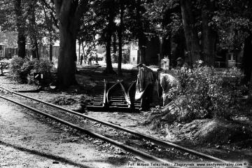 Opalenica. Układanie toru pod skansen w dniu 04.09.1986.