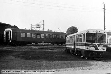 Opalenica we wrześniu 1986. Po prawej pierwsze wagony MBxd2