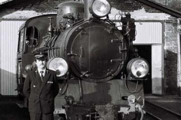 Opalenica we wrześniu 1986. Na zdjęciu Pan Leszek Przybylski - zawiadowca lokomotywowni.