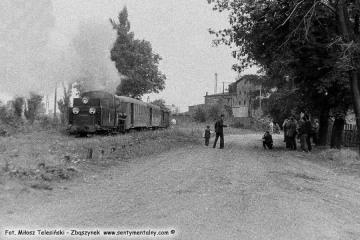 Pociąg specjalny z okazji 100 rocznicy kolejki (przypadającej 23.10.1886) wyjeżdża ze stacji Duszniki Wlkp. w dniu 13.09.1986.