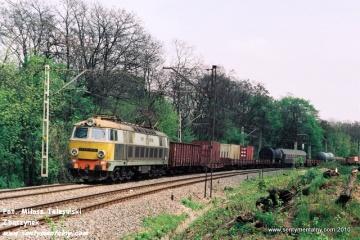 ET22-416 MD Kutno na odcinku Jelonki - Warszawa Gdańska w maju 1991.