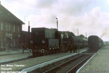 Pociąg specjalny Gniezno - Żnin na stacji Janowiec Wlkp. w dniu 09.09.1988.