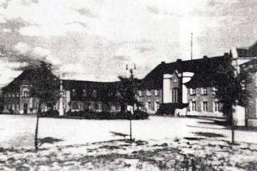 Plac Dworcowy około 1930 roku.