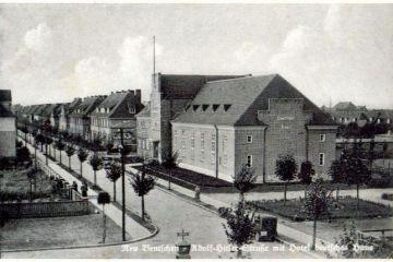 Hotel (dzisiaj dom kultury) około 1940 roku.