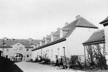 Ulica Szeroka (Breitenstrasse) w stronę dzisiejszego Placu Wolności.