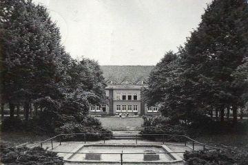 Szkoła w Zbąszynku na Placu Wolności w 1967 roku.