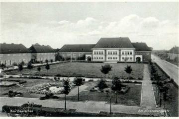 Szkoła w Zbąszynku (Neubentschen) na dzisiejszym Placu Wolności około 1930 roku.