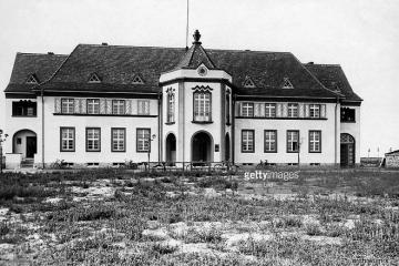 Urząd Miejski w dzisiejszym Zbąszynku (Rathaus) około 1930 roku.