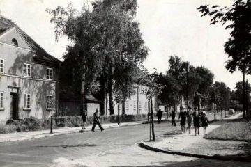 Ulica Wojska Polskiego w latach 60 tych. Skrzyżowanie  z ulicami Warszawską i Sportową.
