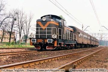 SP42-237 z osobowym z Leszna, wjeżdża do Zbąszynka w dniu 09.05.1989.