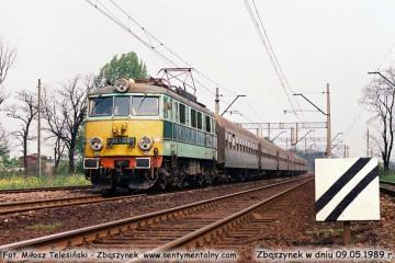 EU07-084 z osobowym Poznań - Jelenia Góra wjeżdża do Zbąszynka w dniu 09.05.1989.