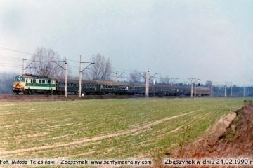 EU07-180 z osobowym Poznań - Jelenia Góra, zbliża się do Zbąszynka w dniu 24.02.1990