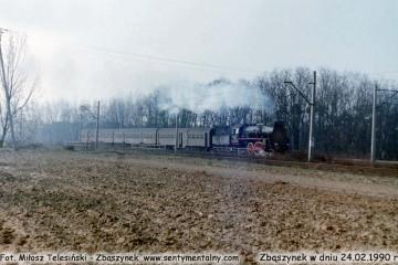 Osobowy do Leszna wyjeżdża ze Zbąszynka  w dniu 24.02.1990.