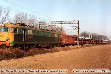 ET22-861 z Poznania wjeżdża na dworzec towarowy w dniu 11.01.1992.