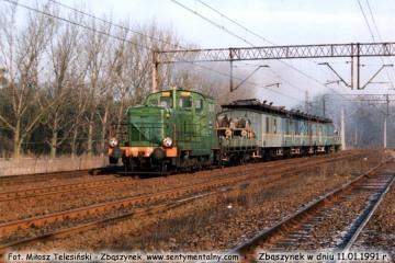 SM30-214 wjeżdża do Zbąszynka z pociągiem sieciowym w dniu 11.01.1992.