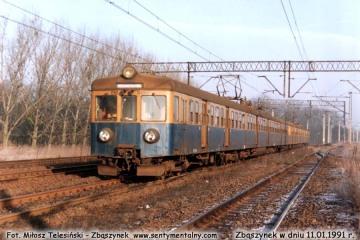 EN57-1181 z Poznania wjeżdża do Zbąszynka w dniu 11.01.1992.