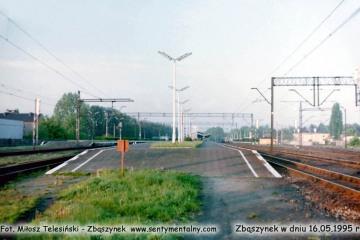 Widok na perony w Zbąszynku w dniu 16.05.1995.