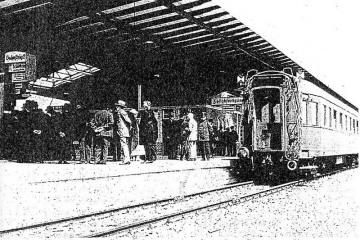Widok na peron drugi - celny do 1944 roku, brak przejść podziemnych.