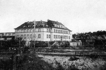 Urząd celny w Neu Bentschen, powojenna za P.K.P. ekspedycja towarowa. Brakuje jeszcze torów, podczas budowy.