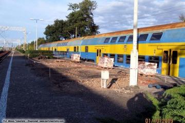 Miejsce po rozebranym budynku rewidentów na peronie trzecim. 01.10.2009