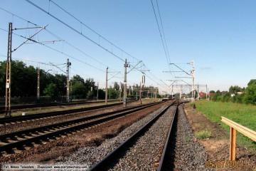 Widok od przejazdu w stronę peronów. 05.07.2011