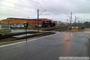 Widok na lokomotywownię tuż po ścięciu drzew. 02.04.2012