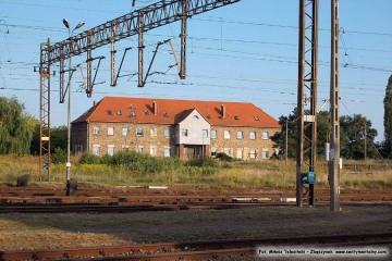 """Dworzec rozrządowy, dalej budynek """"pod zegarem"""". 24.08.2013"""
