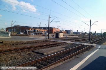 Widok w stronę pomnika parowozu Tp3-36. 12.09.2015
