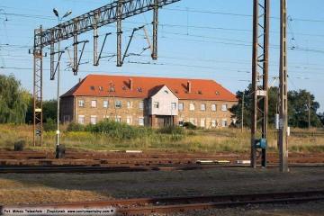 """Budynek """"pod zegarem"""" na rozrządzie w dniu 24.08.2013"""