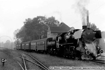 Ty42-1 z pociągiem specjalnym do Fosofskich  w dniu Dobrodzień 17.10.1987.