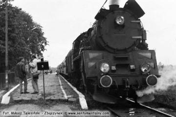 Ol49-61 do Ełku - Białegostoku i dalej do Warszawy w Gołdapi w dniu 29.09.1990.