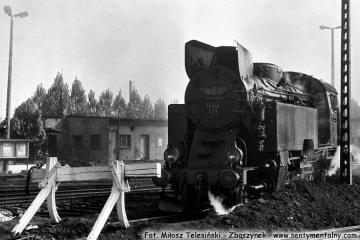 Tkt48-139 przy lokomotywowni Kępno w dniu 17.05.1987.