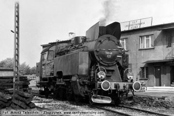 Tkt48-137 przy lokomotywowni Kępno w dniu 17.05.1987.