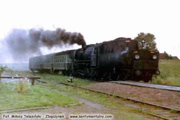 Ty2-239 do Węgorzewa, wjeżdża na stację Radzieje Węgorzewskie w dniu 11.09.1990.
