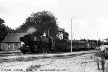 Ty2-1332 na stacji Rudnica, obraca do Gorzowa Wlkp (Zieleńca,) podczas remontu linii, zamknięcia Rudnica - Chyrzyno (Kostrzyn) w dniu 04.09.1986.
