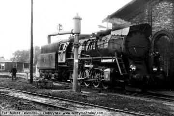 Ty51- 223 przy lokomotywowni w Rzepinie w dniu 08.09.1986.