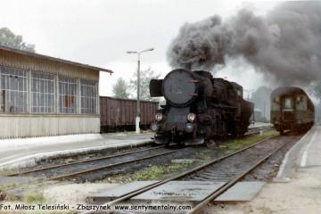 Ty2-239 w Węgorzewie objeżdża skład do Kętrzyna w dniu11.09.1990.