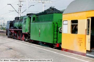 Zbąszynek w dniu 08.05.2003. Pm36-2 z osobowym do Leszna,