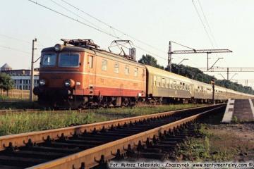 """Zbąszynek.  EP05-07 z """"Beroliną"""" do Warszawy w lipcu 1987"""