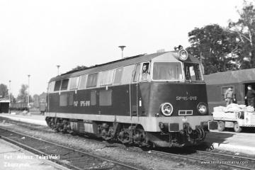 Międzyrzecz 03.10.1987. SP45-040 z osobowym z Międzychodu.