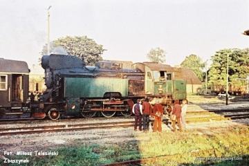 Międzyrzecz 03.10.1987. Tkt48-28 i pociąg specjalny w dniu 03.10.1987.