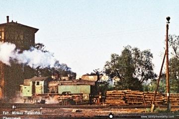 Międzyrzecz 03.10.1987. Tkt48-28 objeżdża pociąg specjalny w dniu 03.10.1987.