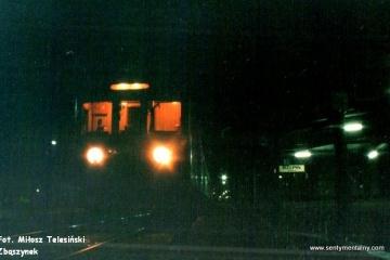 Rzepin 09.12.1997.  Wieczorna jednostka do Zbąszynka. W kabinie po prawej Pan Olczyk z Toporowa.