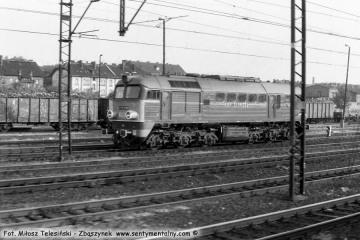Poznań Główny 01.06.1990. ST44-539.