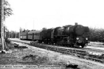 Pociąg osobowy do Gorzowa z Rudnicy w dniu 04.09.1986. Pociągi czasowo dojeżdżały tylko do Rudnicy a odcinek Rudnica - Chyrzyno był w remoncie. Parowóz to Ty2-1332.
