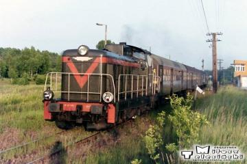 Bełżec 25.06.1992. Pociąg z Przeworska. Lokomotywa SP42-193.
